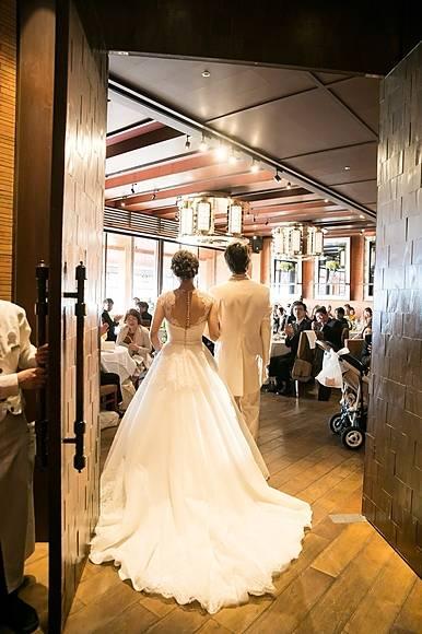 ライラックローズ ブライダルエステ施術後の結婚式画像22 新婦様ばかりでなく、新郎様やお母様も綺麗に!人生最良の日は新婦様ばかりではありません。幸せを皆様で!