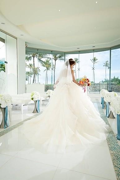 ライラックローズ ブライダルエステ施術後の結婚式画像 背中のにきびや吹き出物対策、肩甲骨周りを綺麗に、背中を痩せたい痩身など何でもご相談下さい